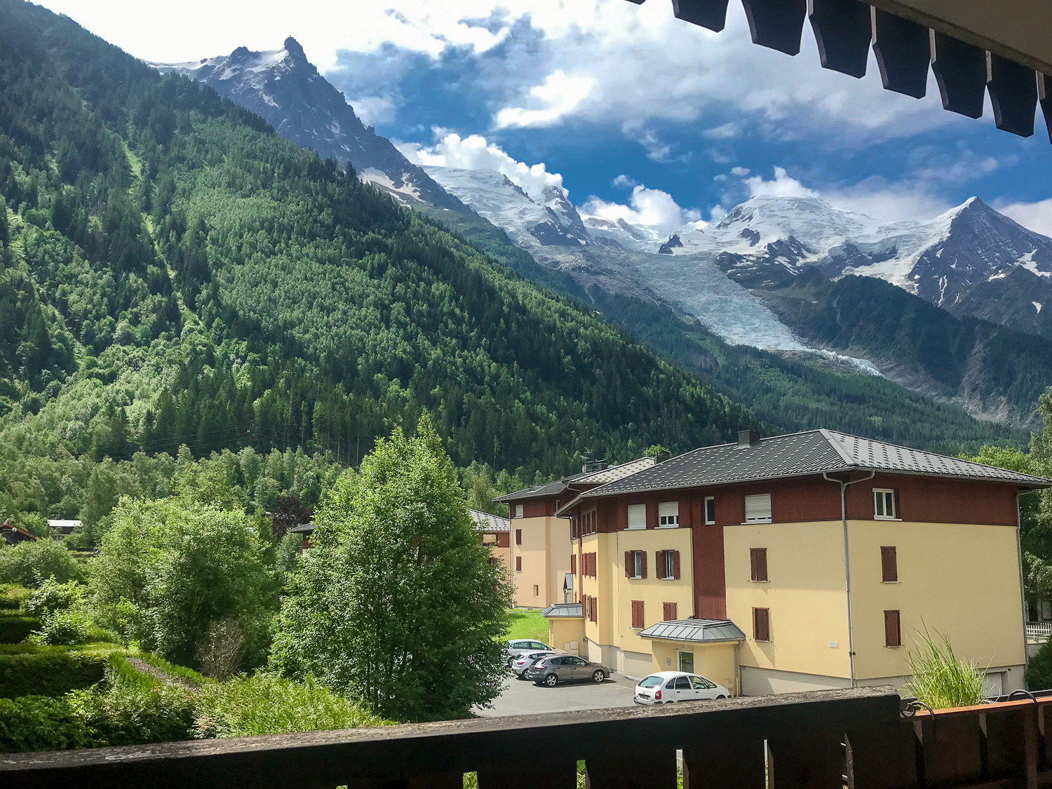 3 bedroom apartment for sale in Chamonix centre with stunning views from terrace