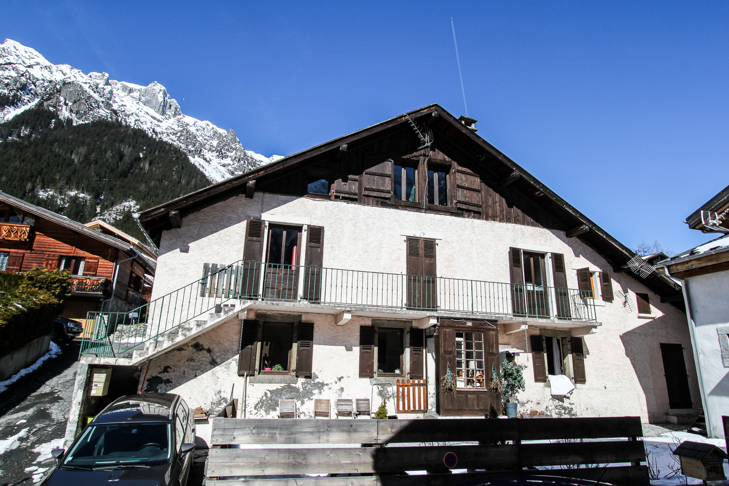 Beautiful farmhouse for sale in Chamonix Les Moussoux