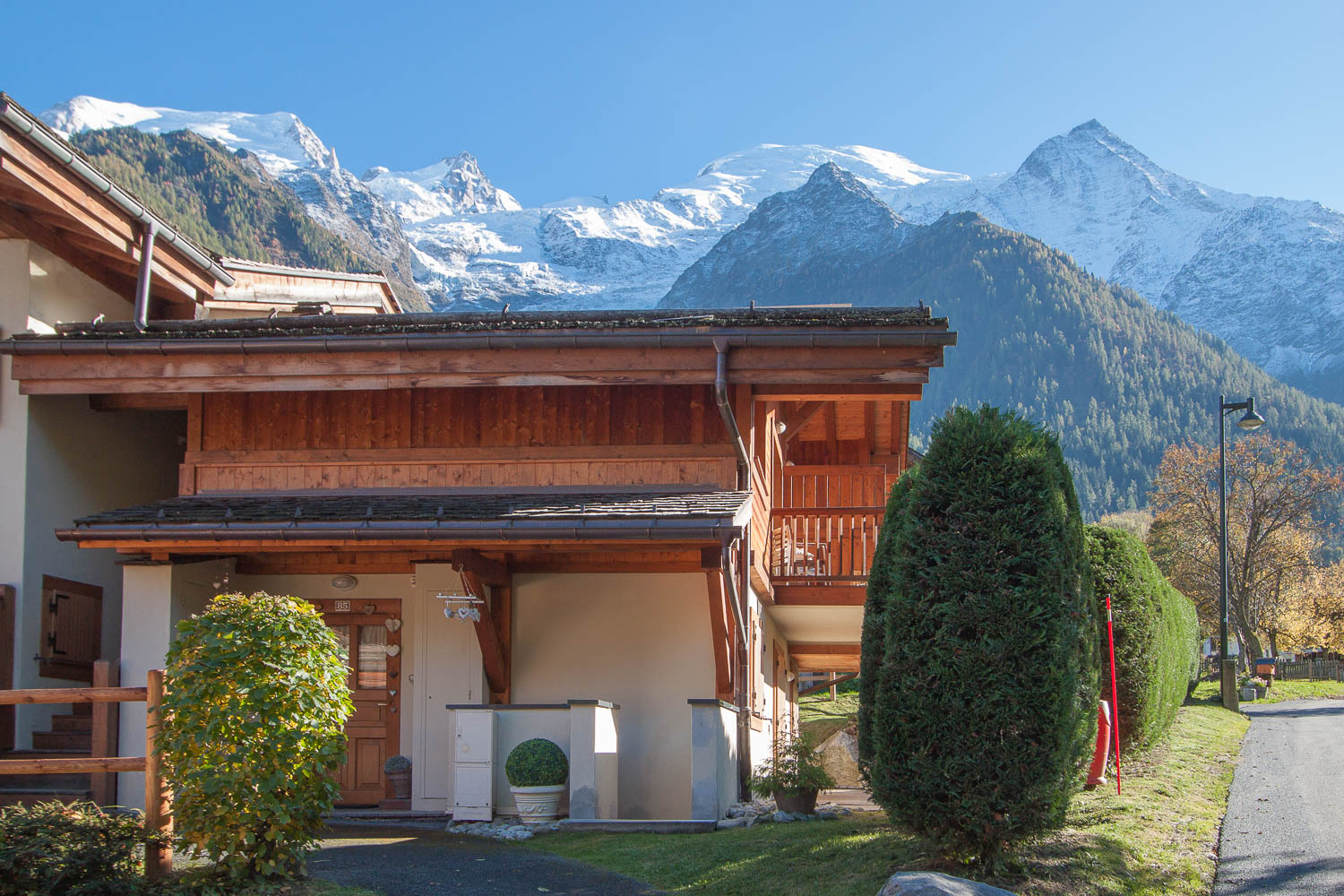 2 bedroomed apartment for sale Chamonix Les Bossons