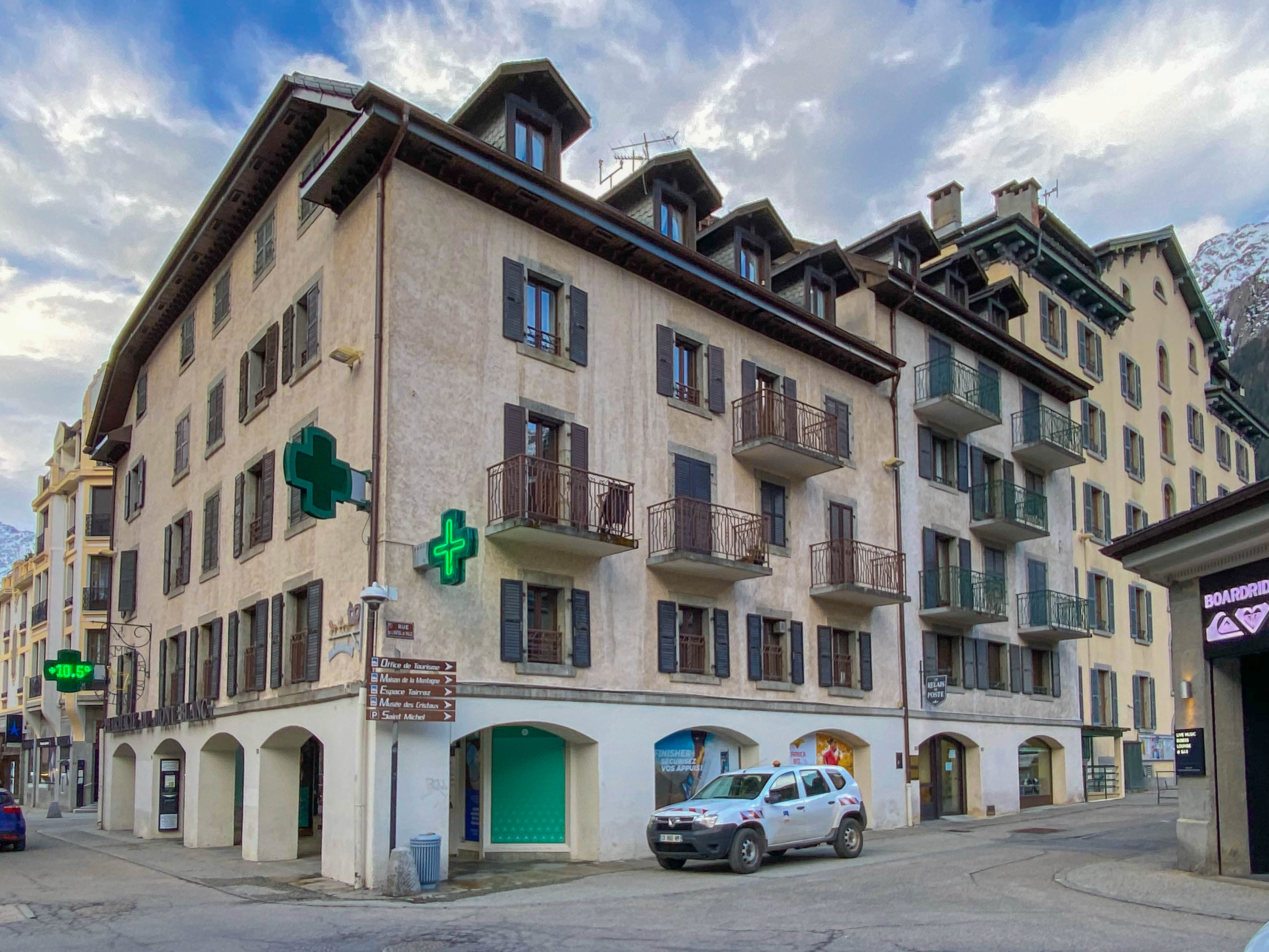 Top floor apartment for sale Chamonix centre