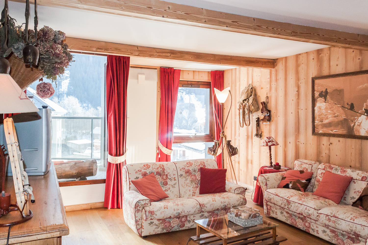 Large apartment for sale in centre of Chamonix